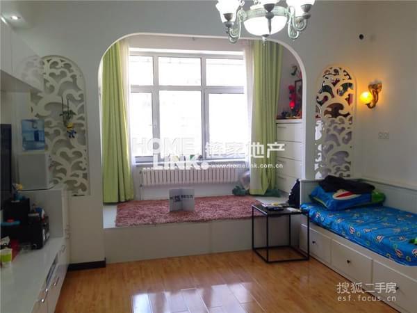 2米挑高婚房开间 装修精美超低价