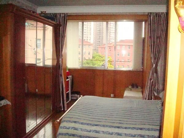 虹口区 江湾镇 水电路1342弄,1344弄小区 精装修 41平米1室1厅厅1卫卫