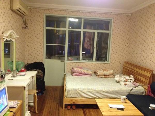 虹口区 凉城 水电路108弄小区 精装修 66平米2室1厅厅1卫卫