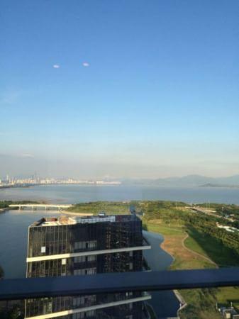 深圳湾口岸过关后去荃湾如心海景酒店应该坐什么车 还是从罗湖口岸