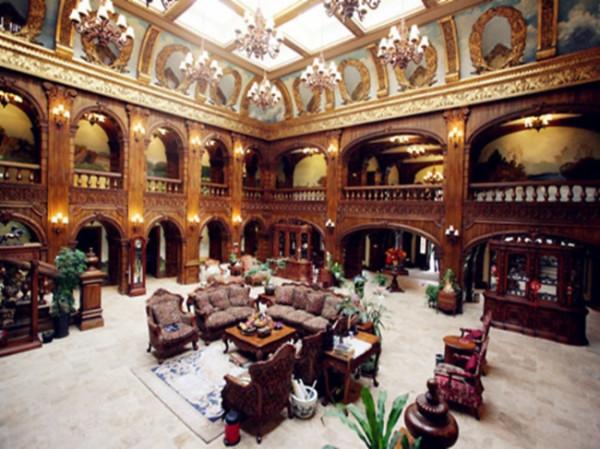 [鑫尊优质房源]新出房源装修3500万 欧式城堡 花园2500米 急售