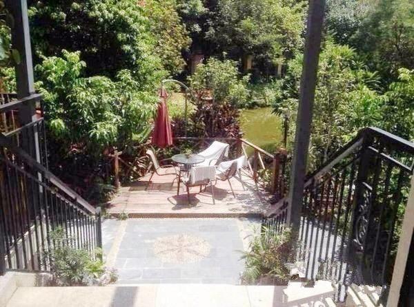 欧式下叠别墅 私家后花园