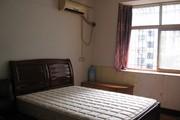 个人转租马甸 安华桥北三环沿线三居室中的主卧