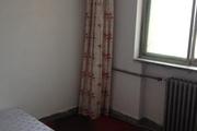新苑小区出租2室 61平米简单装修 家具齐全拎包入住看房方便
