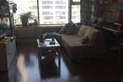 蓝庭公寓 精装修婚房两室 买一层送一层 急卖75万